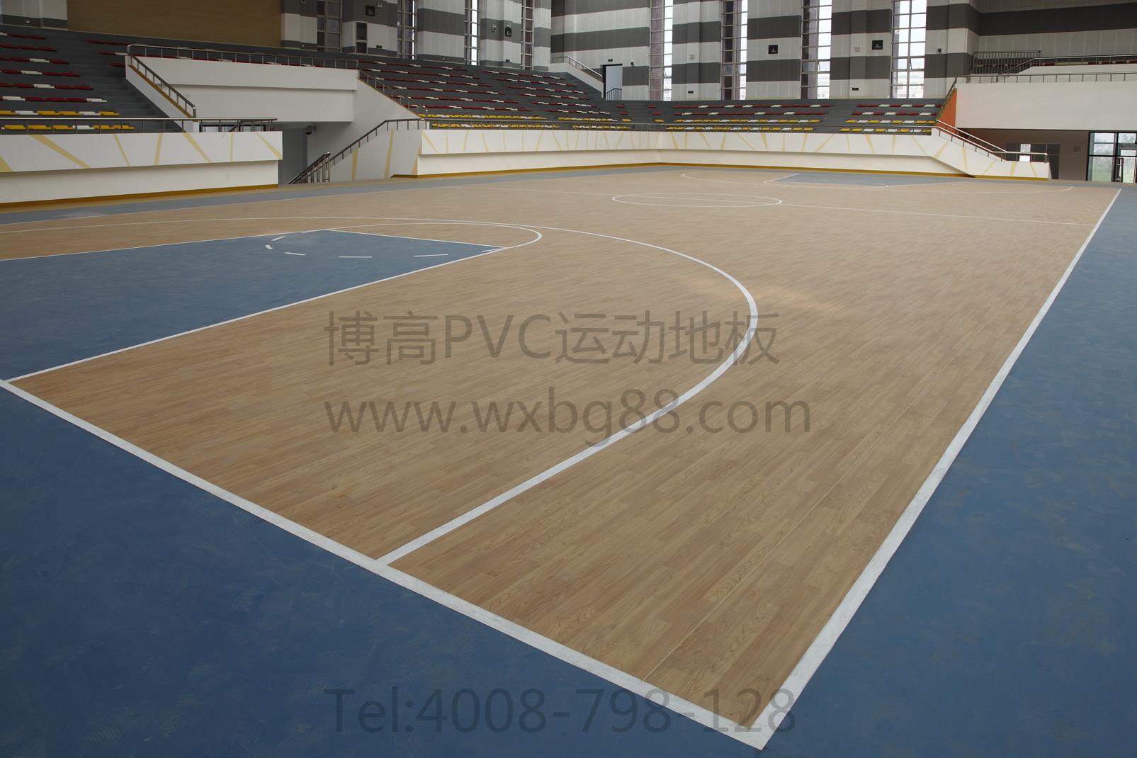 而在保养方面,篮球场pvc塑胶地板更是便捷,只需用微湿的拖把进行地面