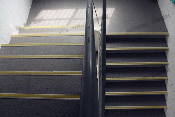 【广西】南宁逸夫小学PVC塑胶地板