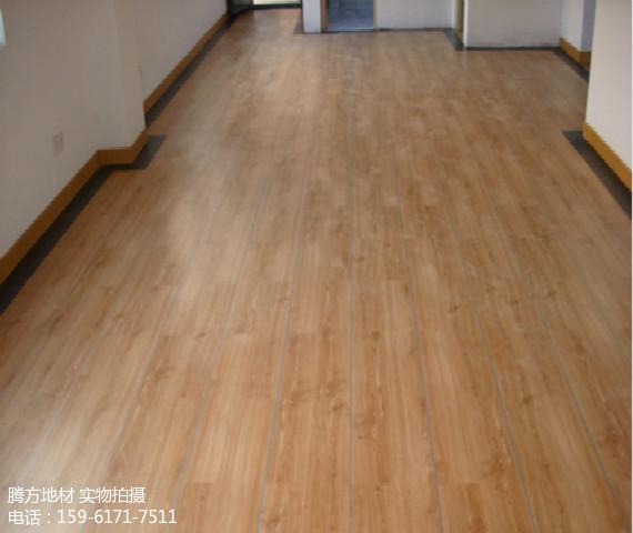 PVC地板适用于家庭
