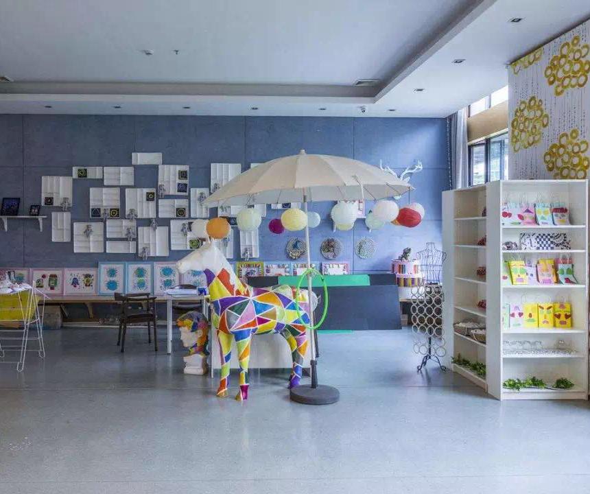 孩子第一所校园选择环保放心的腾方幼儿园专用塑胶地板