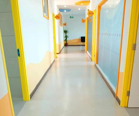 幼儿园地板的色彩如何选择?