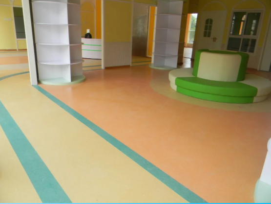 PVC地板起拱起泡的原因分析