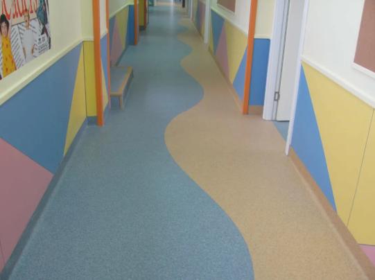 PVC塑胶地板接缝施工时的三种处理方式