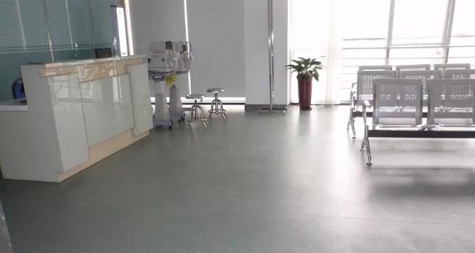 PVC全同质透心地板和半同质透心地板有什么不同?
