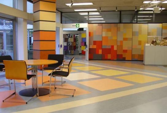 办公楼铺PVC地板