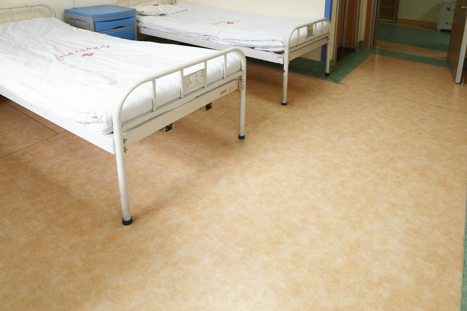 PVC地板究竟有哪些不可忽视的缺点【腾方PVC地板】