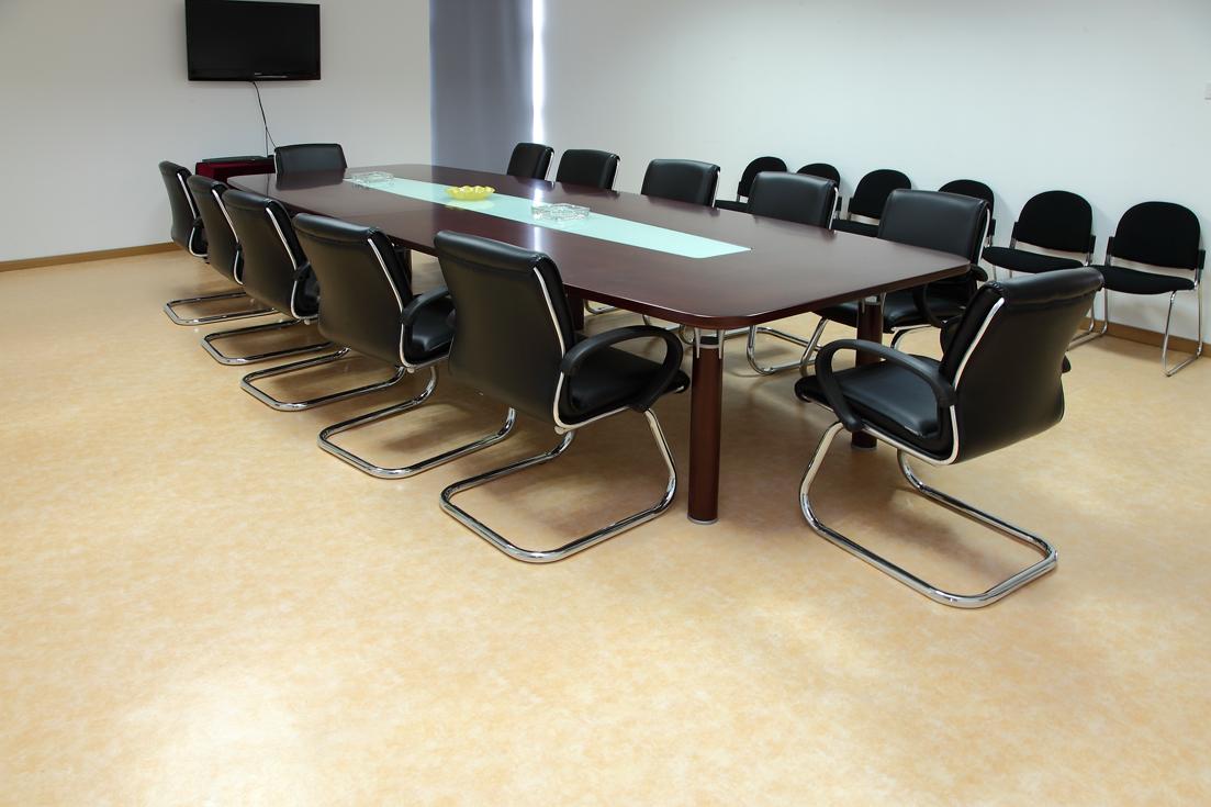 会议室地胶地面有划痕怎么处理【腾方PVC塑胶地板】