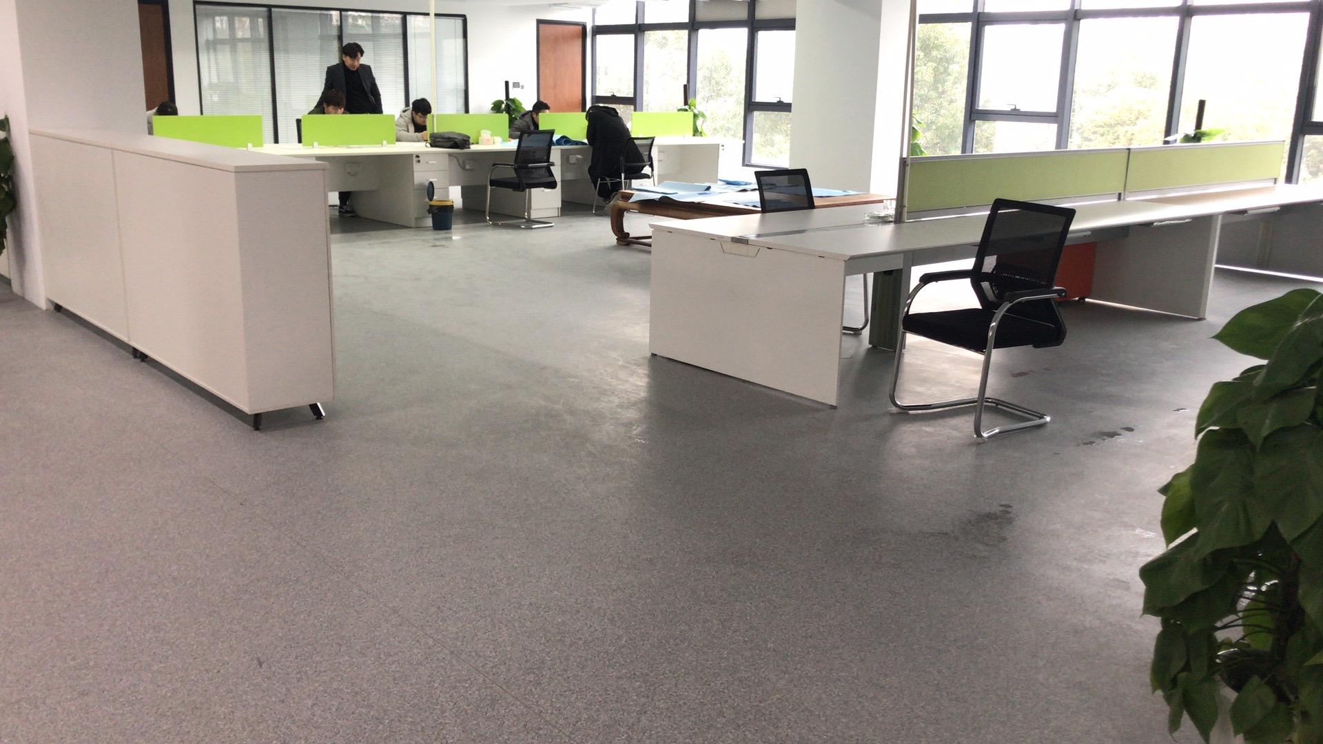 PVC塑胶地板的厚度是否决定其耐用性【腾方PVC地板】