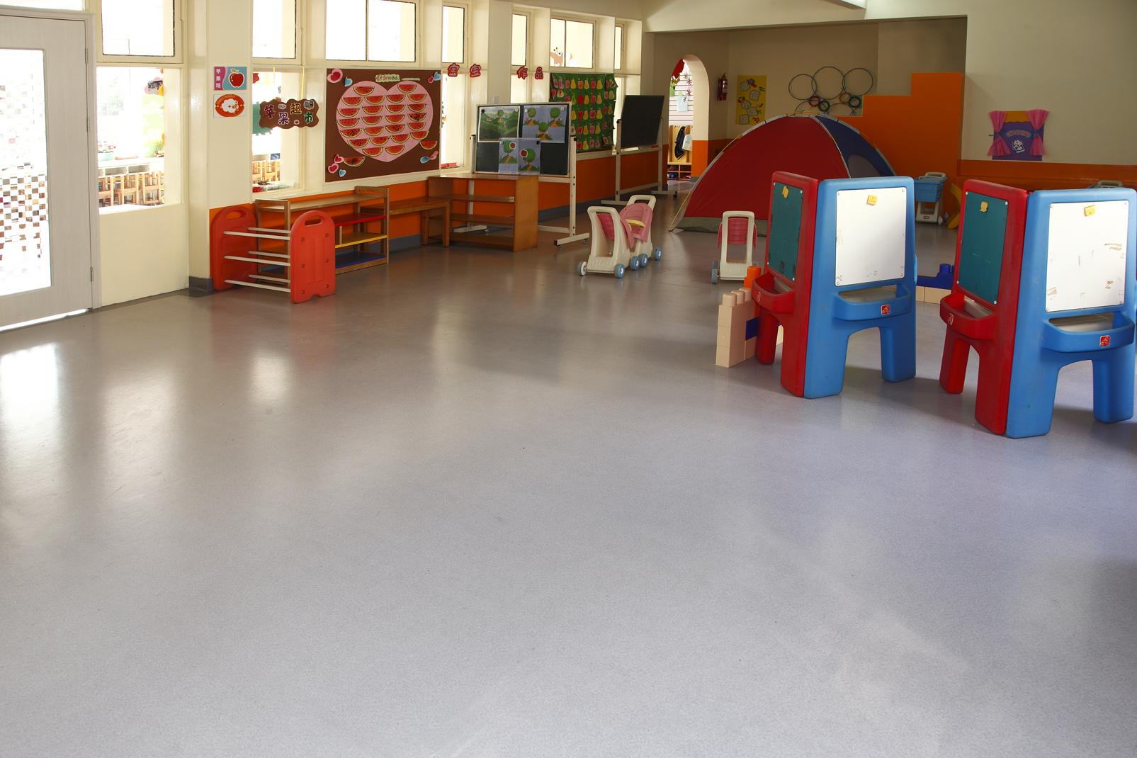 幼儿园塑胶地板需要满足的条件?【腾方PVC地板】