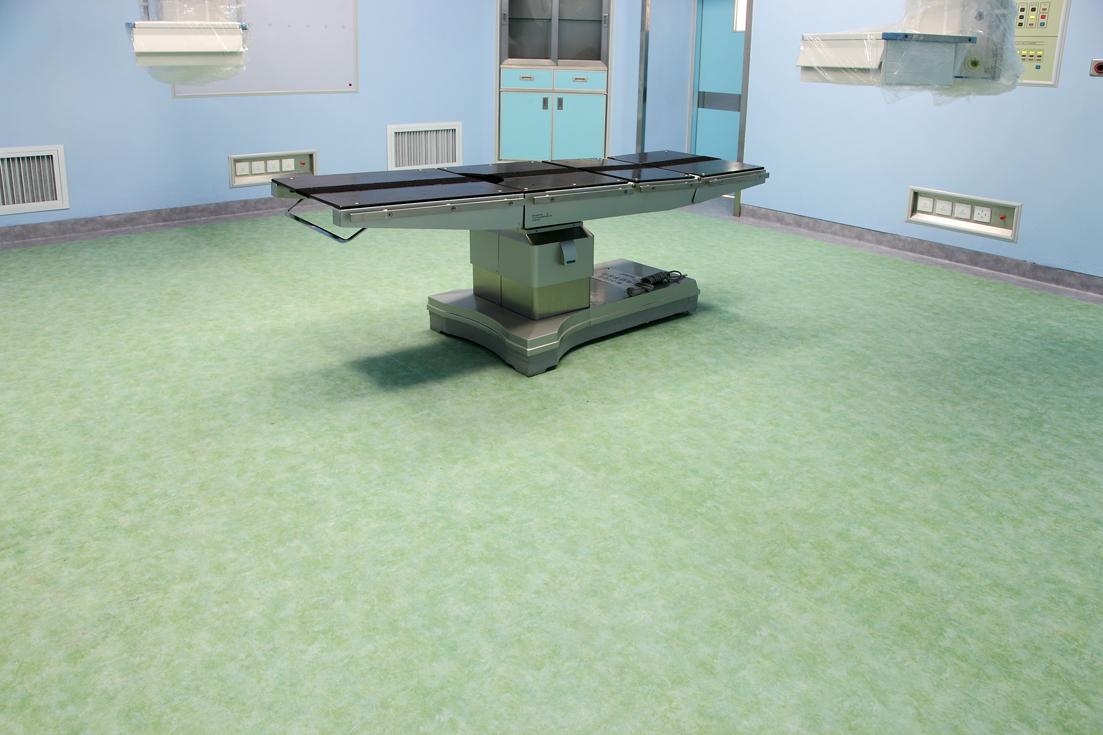医院用PVC地板还需要每天打蜡吗【腾方PVC地板】