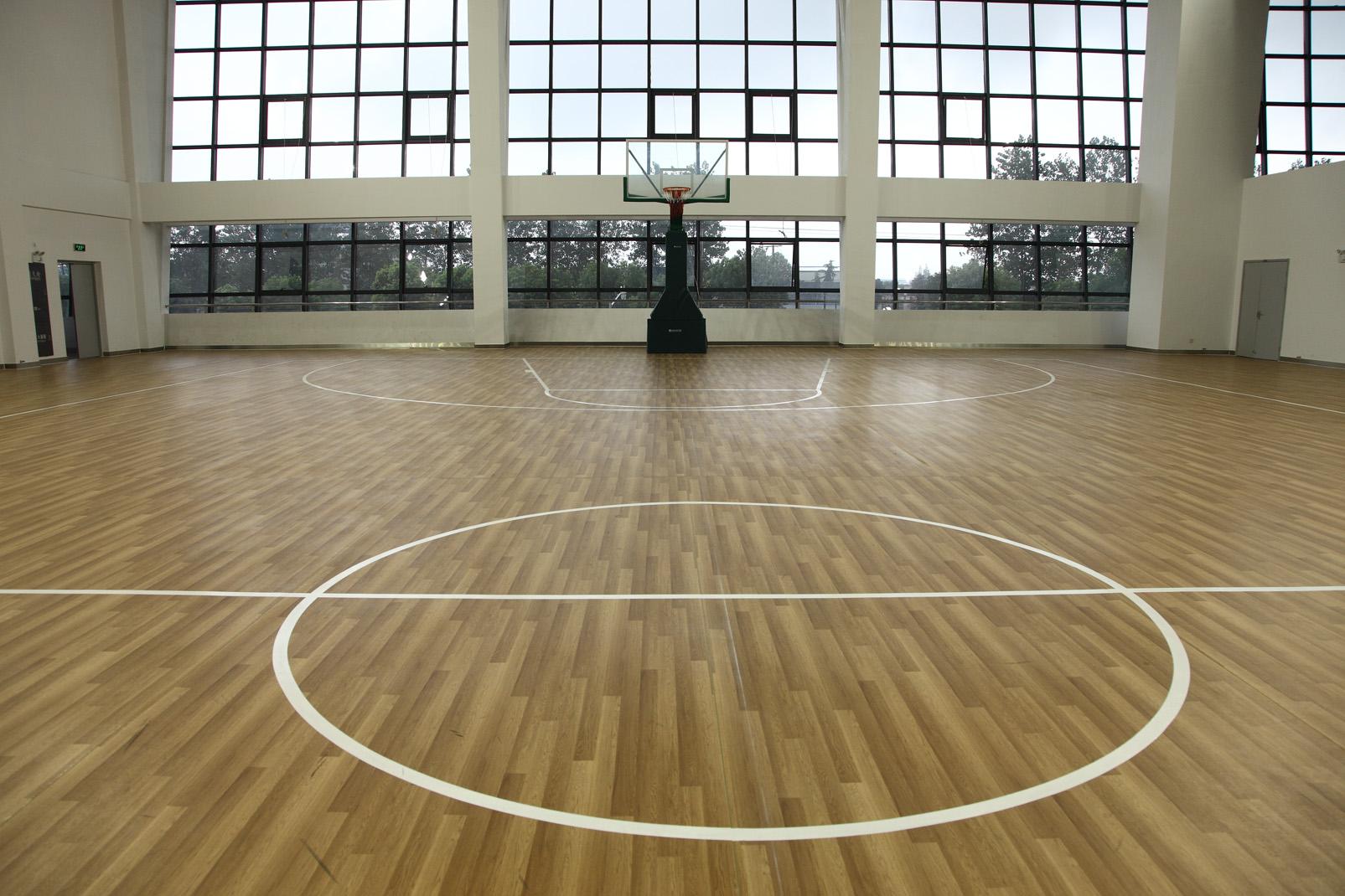 篮球PVC运动塑胶地板有哪些优点【腾方PVC地板】