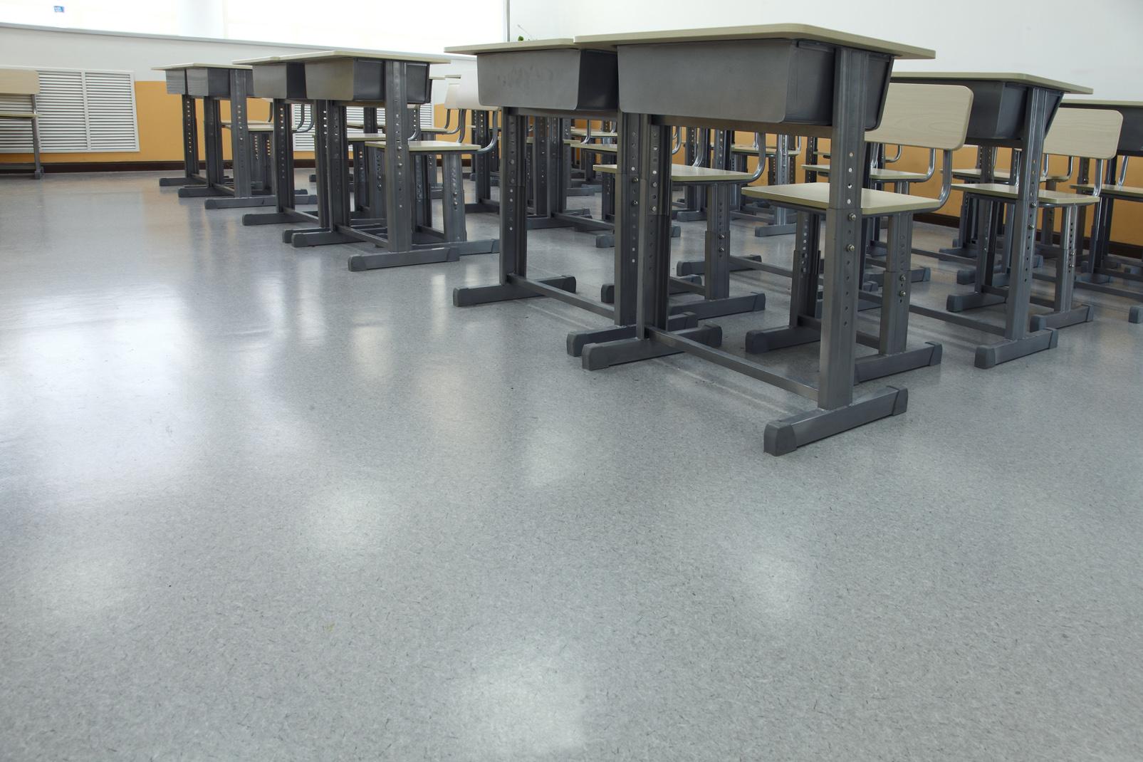 说一说学校PVC地板的开槽与焊接流程【腾方PVC地板】